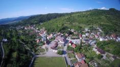 Pohľad na obec z vtáčej perspektívy